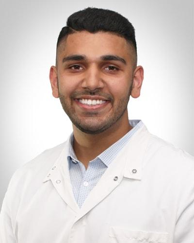 dentist-mohammad-taqvi.jpg