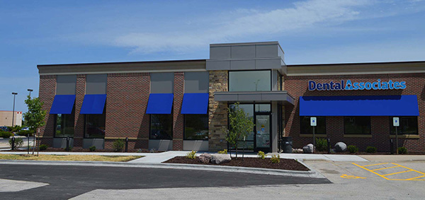 Dental Associates opened a new clinic in the Green Bay suburb of Howard in August 2016